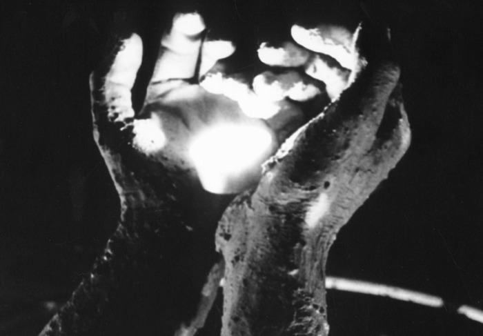 hands-2-1477636