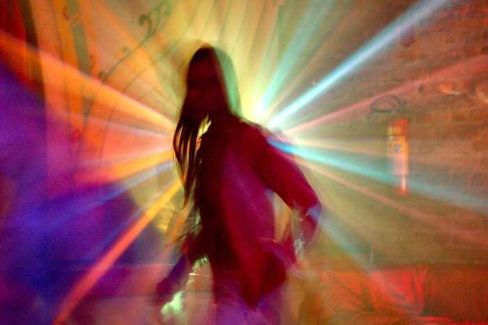dancing-against-light-1-1524038