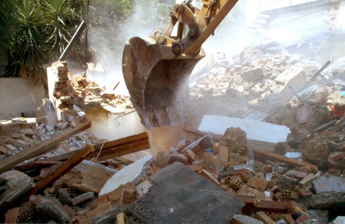 demolition-1575129.jpg